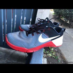 Nike Met-con 1 Cool Grey 704688-016 Men's Sz 12